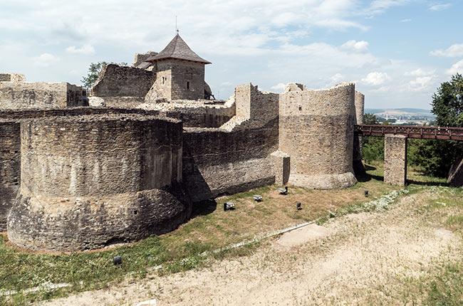 Muralla de la Cetatea de Scaun, Suceava (Rumanía)