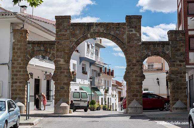 Arco de Alozaina (Málaga)