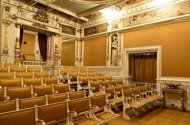 Sala de Teatro en el Castillo de Peles (Rumanía)