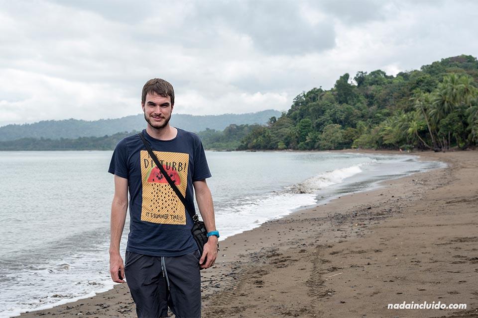 Visitando playa Colorada, en Drake (Costa Rica)