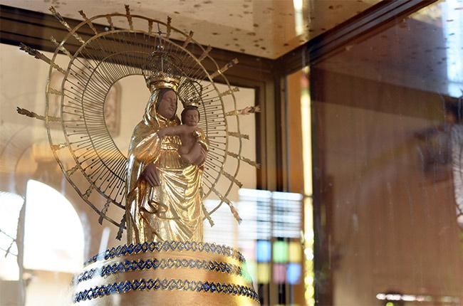 Detalle de la Virgen del Pilar en la Iglesia Nuestra Señora del Pilar de Zaragoza, León (Nicaragua)