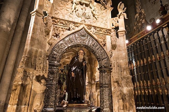 Tumba de Domingo García (Santo Domingo) en la catedral de Santo Domingo de la Calzada (Rioja, España)