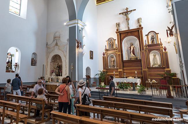 Interior de la Parroquia de Santa Ana, Alozaina (Málaga)