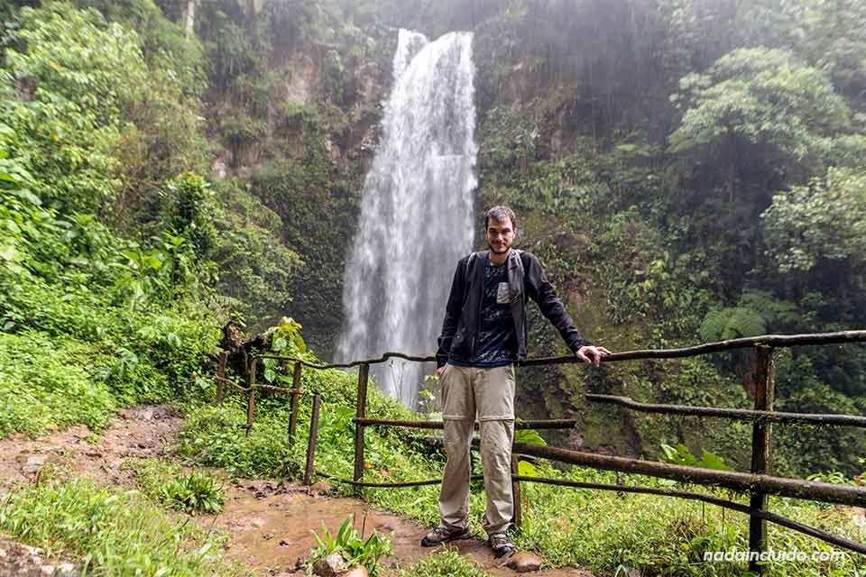 En la primera de las tres cascadas escondidas, en Boquete (Panamá)