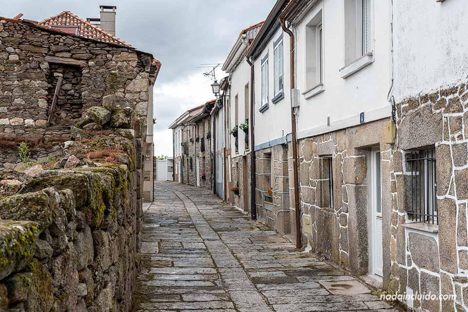 Rua Corredores en Castro Caldelas, Ribeira Sacra (Galicia)