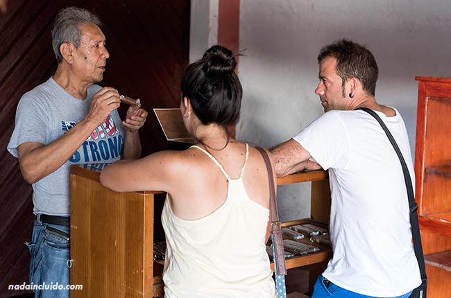Tienda de cigarros y puros nicaragüenses en Granada (Nicaragua)