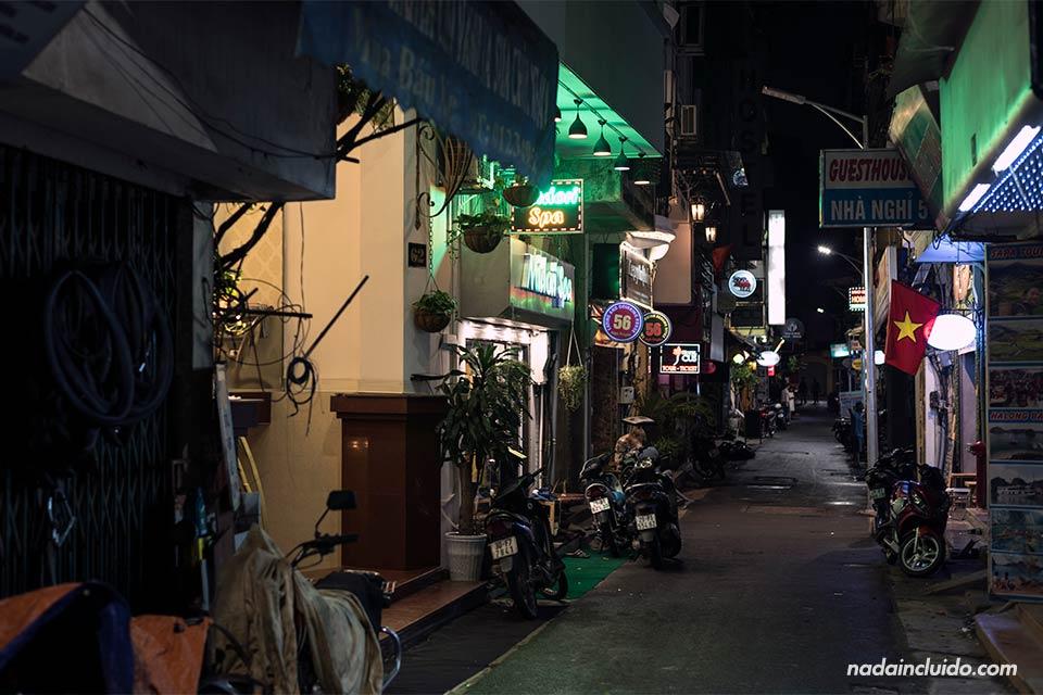 Paseo nocturno por las calles de Hanoi (Vietnam)