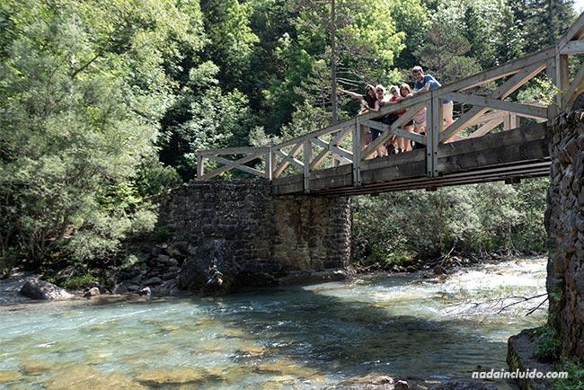 Blogueros de viaje visitan el Parque Nacional de Ordesa y Monte Perdido (Aragón)