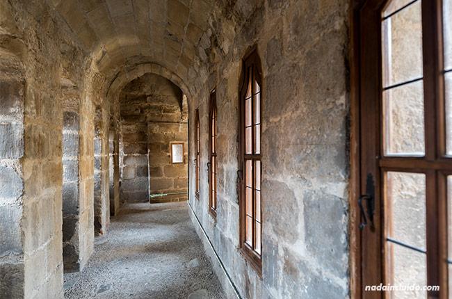 Defensas de la catedral de Santo Domingo de la Calzada (Rioja, España)