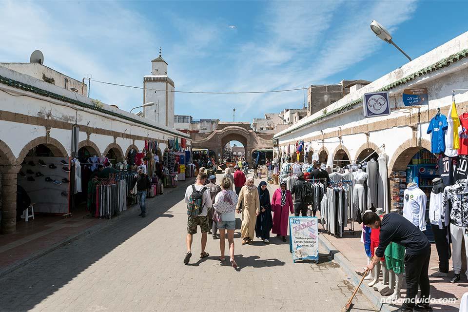 Avenida Istiqlal en la medina de Essaouira (Marruecos)