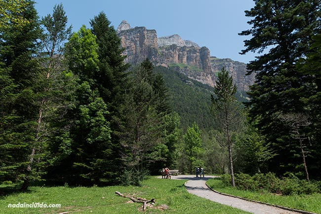 Sendero adaptado en el Parque Nacional de Ordesa y Monte Perdido (Aragón)
