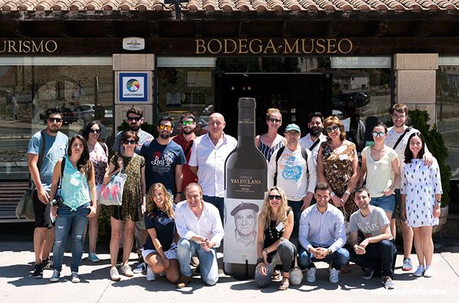 Grupo de blogueros en Bodegas Valdelana (Elciego, País Vasco)