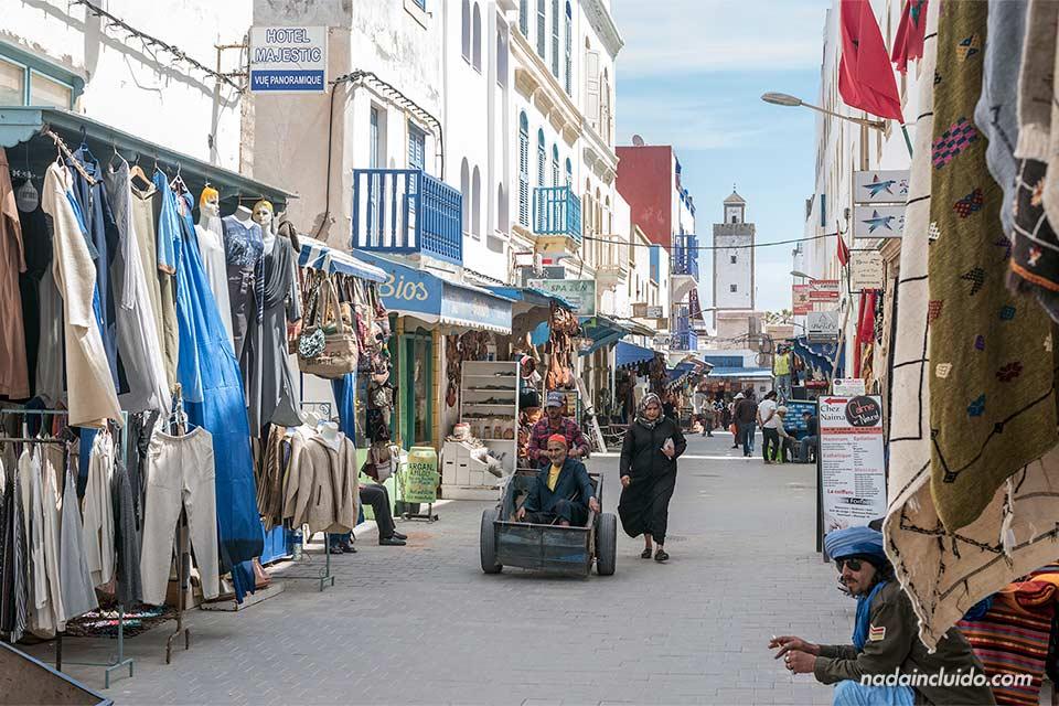 Calle Derb Laalouj en la medina de Essaouira (Marruecos)