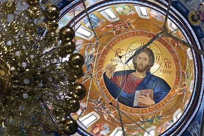 Bóveda de la Iglesia Ortodoxa Hram Hrista Spasitelja en Banja Luka (Bosnia)