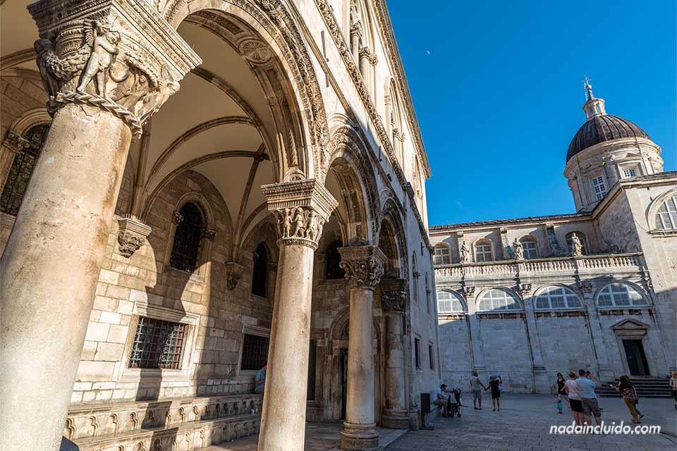 Exterior del Palacio del Rector en el Old Town de Dubrovnik (Croacia)