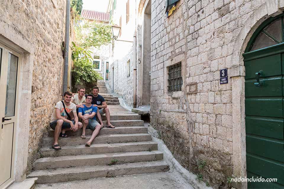 En un callejón del Stari Grad de Herceg Novi (Montenegro)