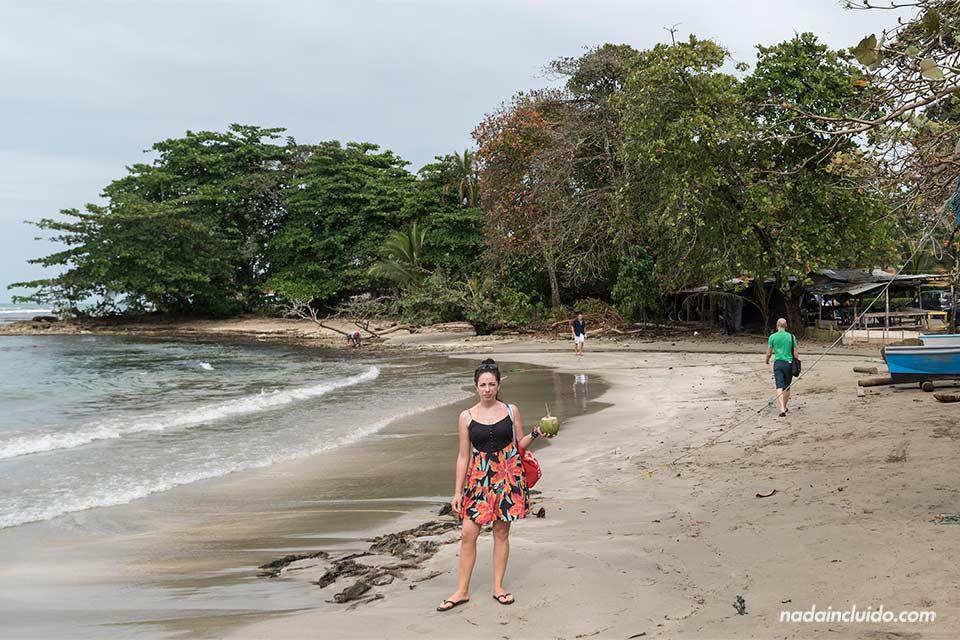 Playa de pescadores en Puerto Viejo (Limón, Costa Rica)