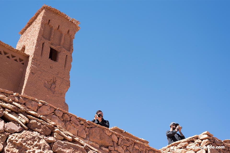 Fotógrafos en el Kasbah de Ait Ben Haddou (Marruecos)