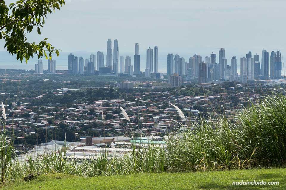 Vistas de la ciudad de Panamá desde San Miguelito