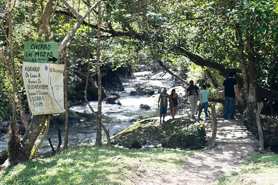 Entrada al Chorro Las Mozas, Valle de Antón (Panamá)