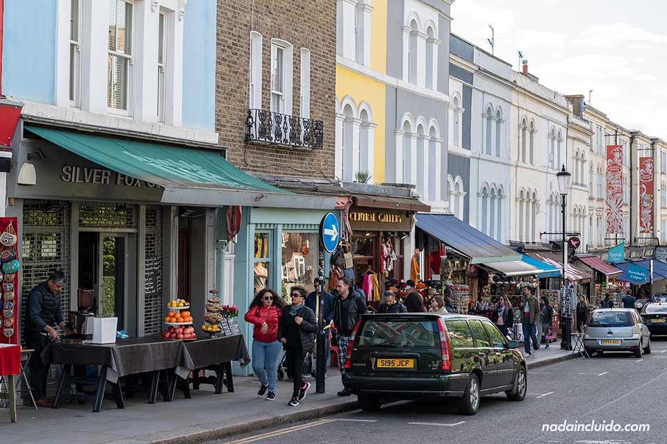 Calles de Notting Hill, el barrio de Londres (Inglaterra)
