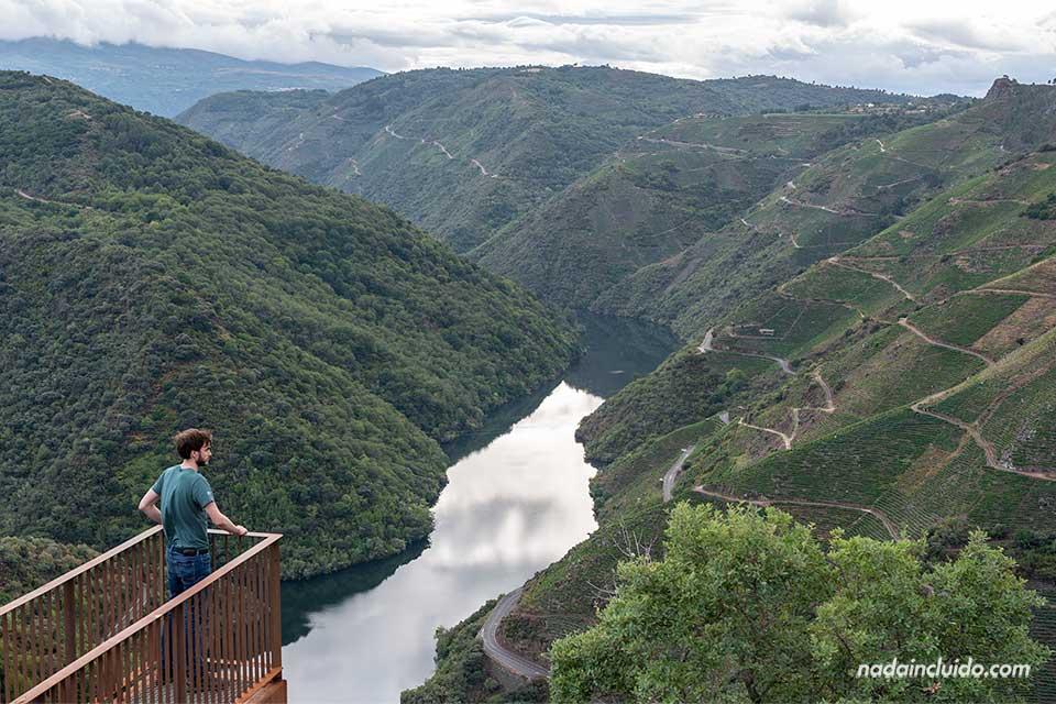 En el mirador Peña de Matacás, Ribeira Sacra (Galicia)