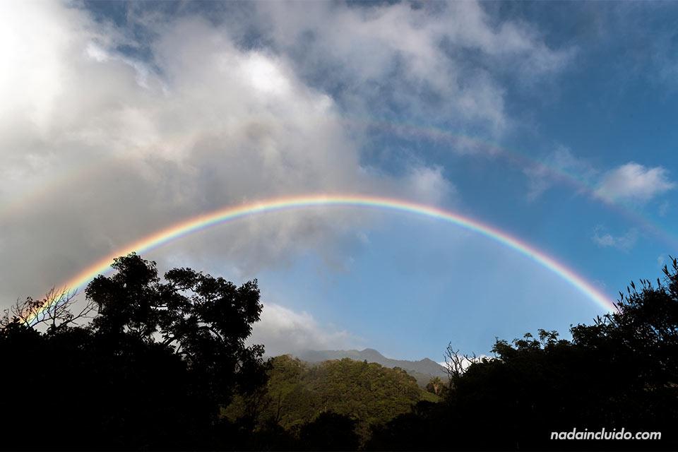 Doble arcoíris en los alrededores de Bajo Boquete (Panamá)