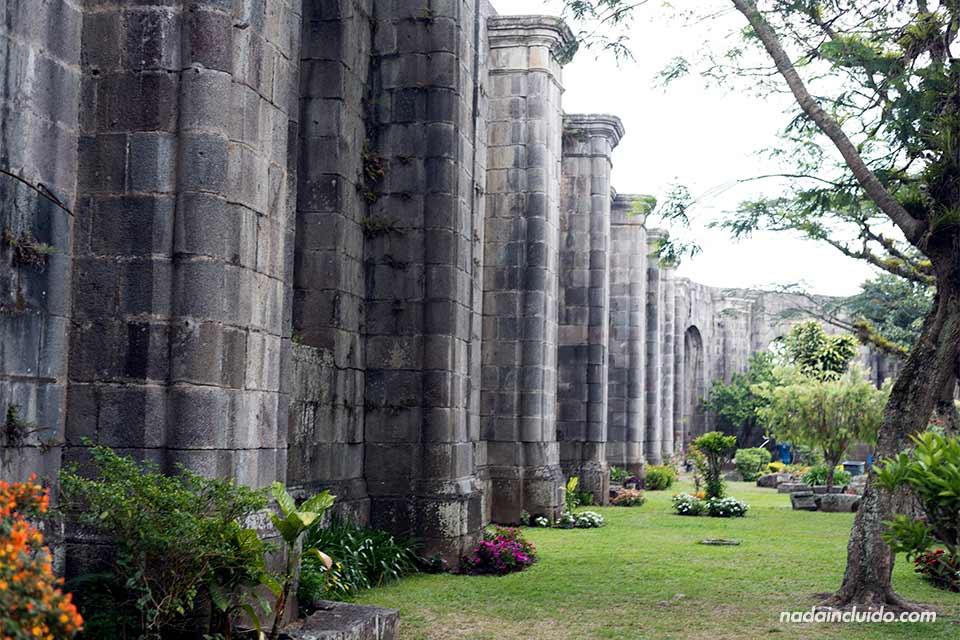 4b-Cartago-Ruinas-de-la-parroquia-de-Santiago-Apostol-int-1