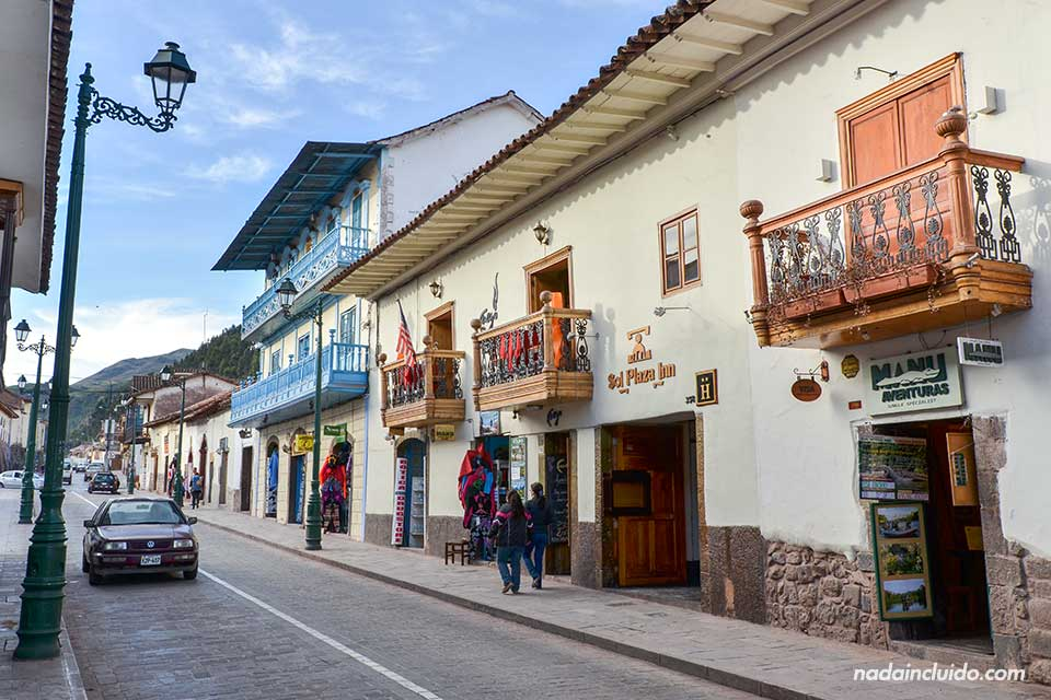 Una agencia de viajes en una de las calles de Cuzco (Perú)