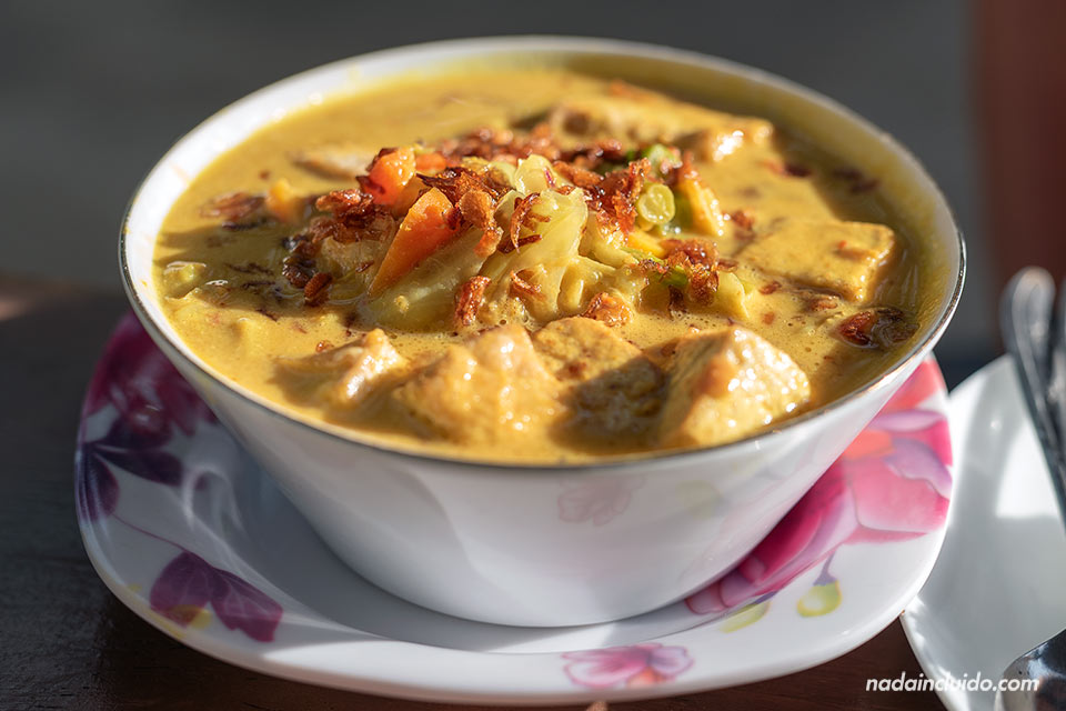 Comida en el restaurante Aura Bowls (Gili Air, Indonesia)