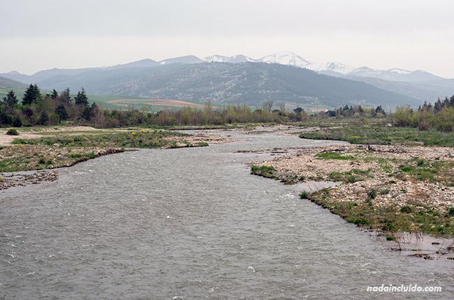 Río Oja a su paso por Santo Domingo de la Calzada (Rioja, España)