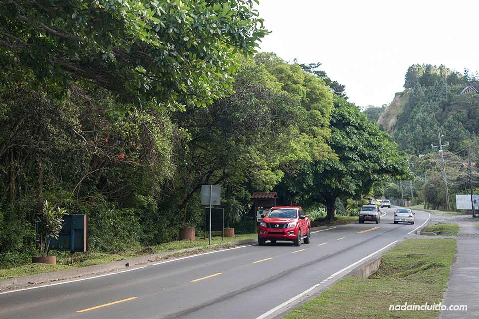 Carretera a las afueras de Bajo Boquete, en Panamá