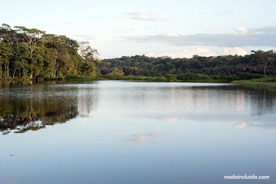 Laguna en isla Colón, Bocas del Toro (Panamá)
