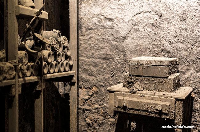 Botellero muy antiguo en el museo de Bodegas Valdelana (Elciego, País Vasco)