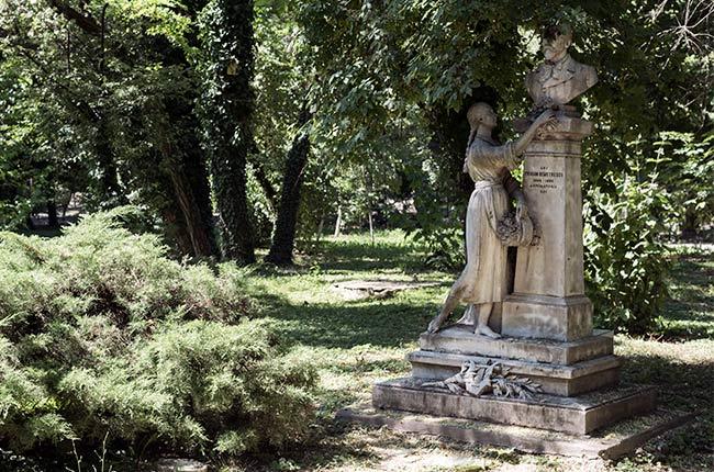 Estatua en el Parque Cismigiu, Bucarest (Rumanía)