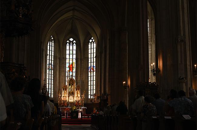 Interior de la Iglesia de San Miguel, Cluj-Napoca (Rumanía)