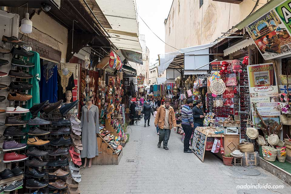 Calle Talaa Sghira Batha en la medina de Fez (Marruecos)