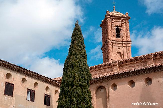 Torre en el Claustro del Monasterio de Piedra (Aragón, España)