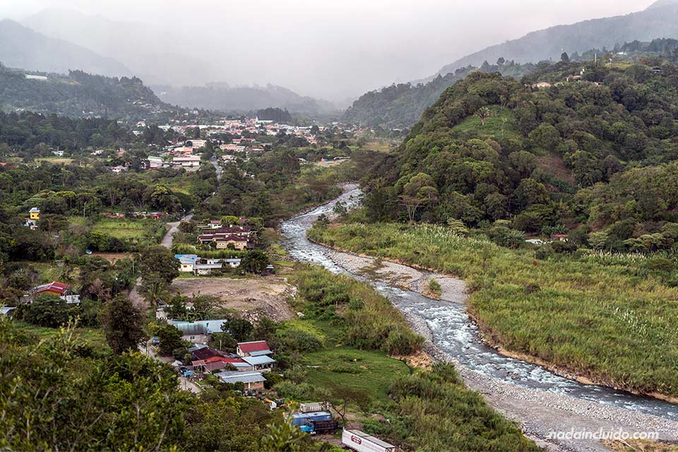 Vistas de Bajo Boquete desde el mirador de Alto Boquete (Panamá)