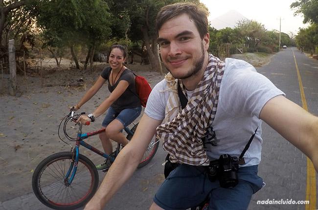 Recorriendo Isla de Ometepe en bicicleta (Nicaragua)