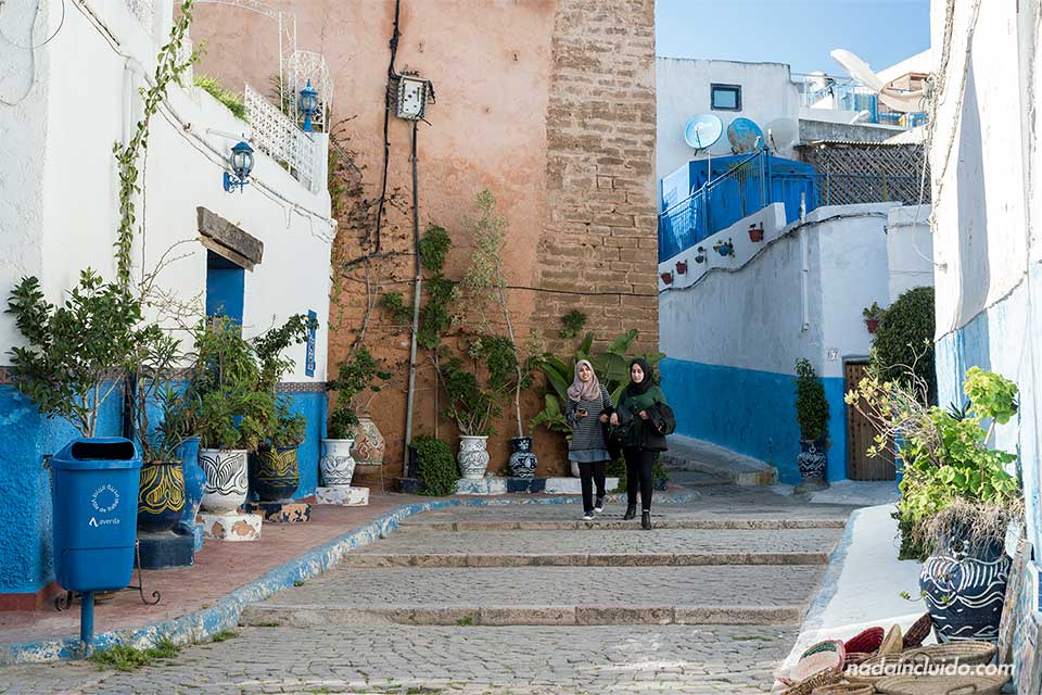 Entrando a la Kasbah de los Udayas de Rabat (Marruecos)
