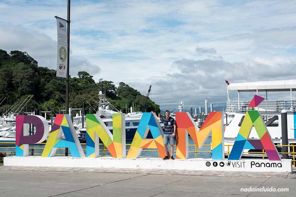 En el cartel de Panamá en la Avenida Amador de ciudad de Panamá