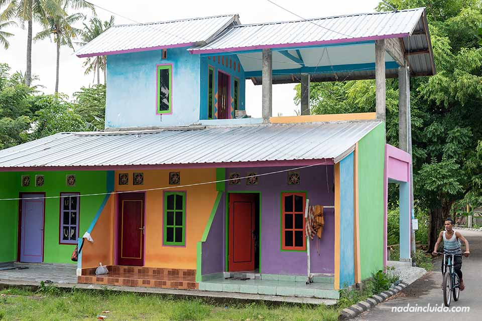 Casas de colores en Gili Air (Indonesia)