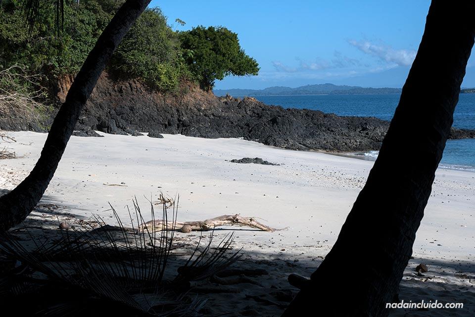 Playa de Isla Bolaños, parque nacional marino golfo de Chiriquí (Panamá)