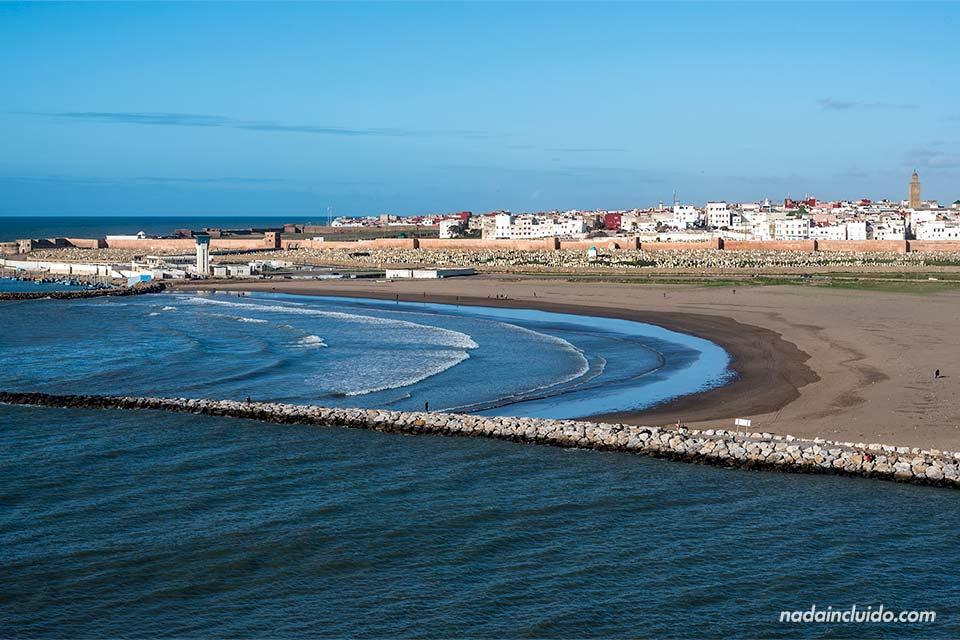 Vistas de la ciudad de Sale desde la Kasbah de los Udayas de Rabat (Marruecos)