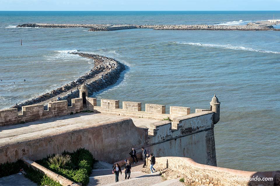 Vista de la muralla desde la Kasbah de los Udayas de Rabat (Marruecos)