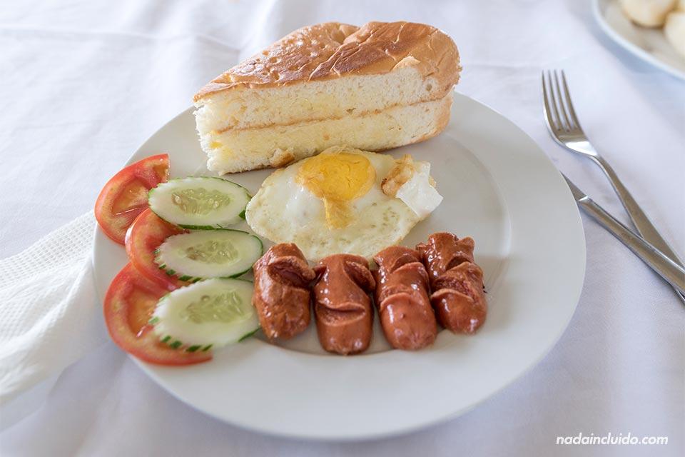 Desayuno en el crucero Jewel Cruise por la Bahía de Lan Ha (Vietnam)