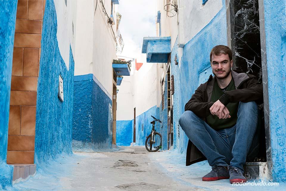 En una de las calles de la Kasbah de los Udayas de Rabat (Marruecos)
