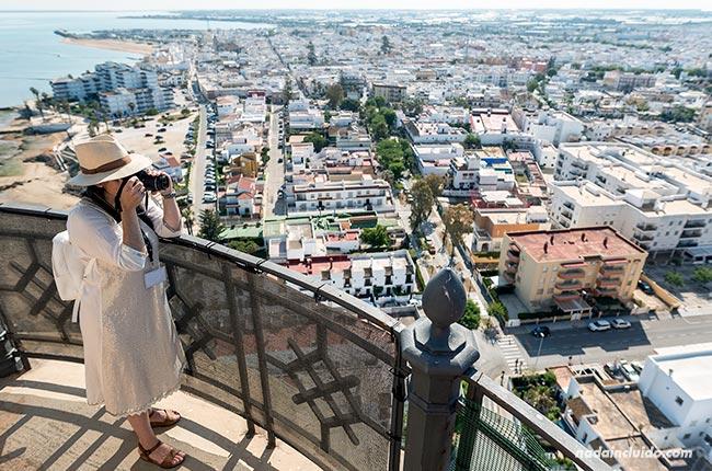 Teresa en el faro de Chipiona (Cádiz)