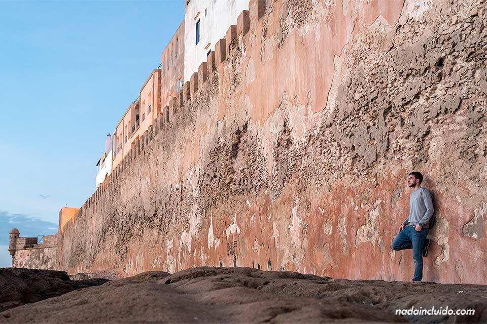Viendo el atardecer en la muralla de Essaouira (Marruecos)
